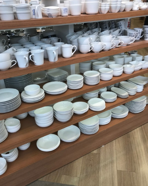 セリアの白い食器シリーズ